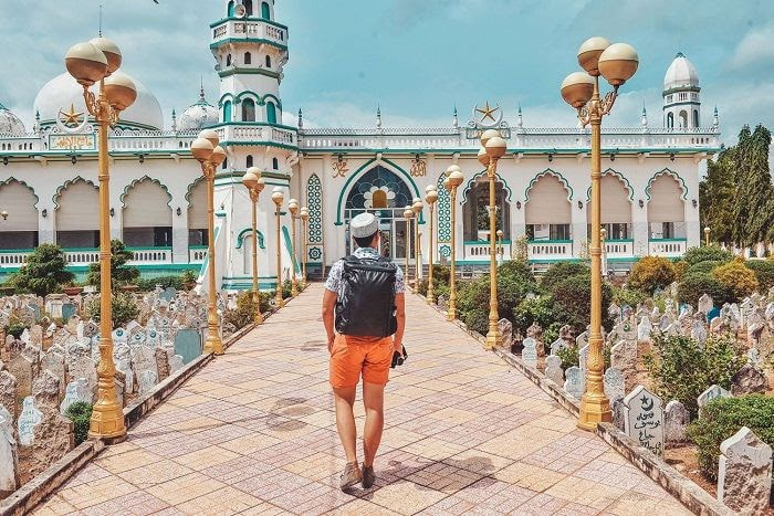 Du lịch miền Tây nên đi tỉnh nào? - thánh đường Jamiul Azhar