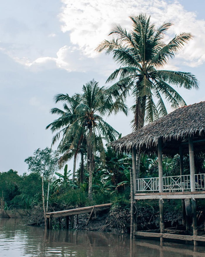 Check in Quy Ben Tre alcohol - A peaceful destination