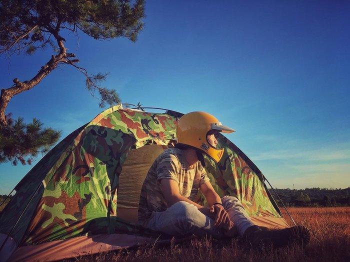 Đồi cỏ hồng địa điểm cắm trại ở Gia Lai