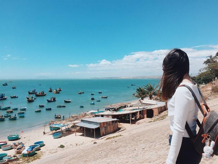 du lịch biển gần Sài Gòn -Bãi Hòn Rơm