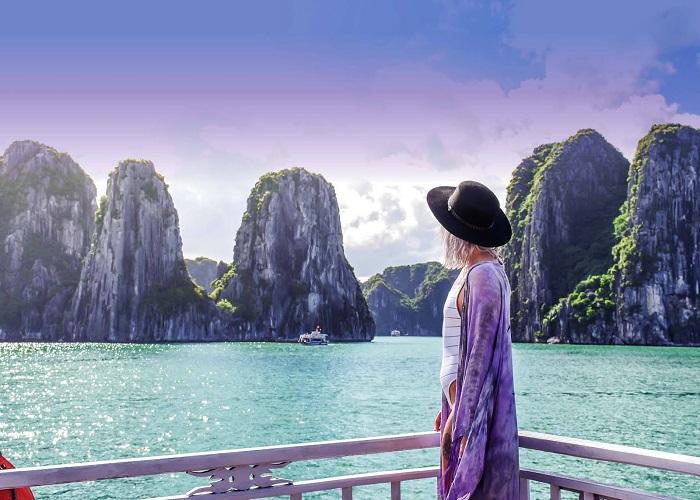 Cam Pha tourism - Bai Tu Long bay