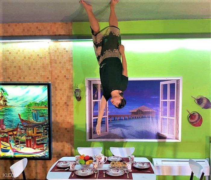 Du lịch Đà Nẵng mùa nào đẹp? Upside down house - Địa điểm du lịch nổi tiếng ở Đà Nẵng