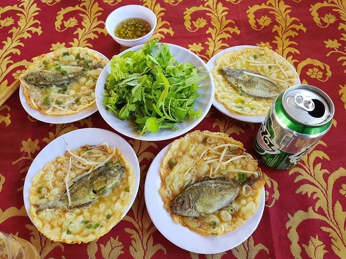 du lịch Huế 1 ngày- bánh khoái