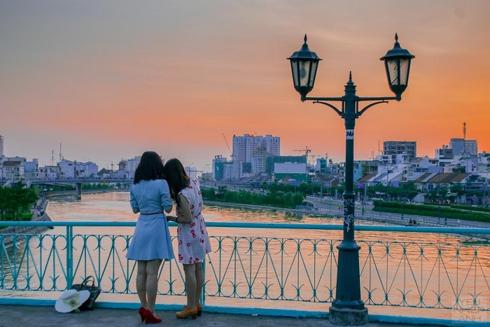 du-lich-sadu-ldu lịch Sài Gòn 2 ngày 1 đêm - bệt Cầu Mống