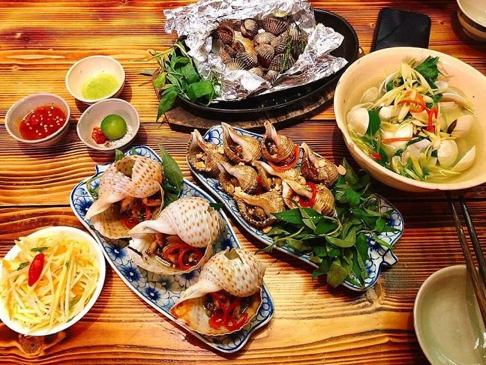 Hải đăng Nam Du - thưởng thức hải sản