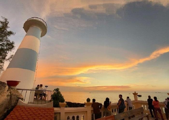 Hải đăng Nam Du - điếm đến hấp dẫn du khách