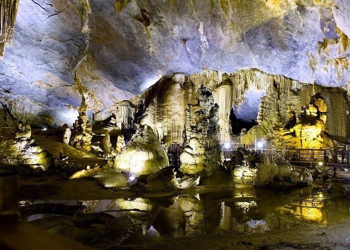 Khám phá hang động Pu Sam Cáp Lai Châu