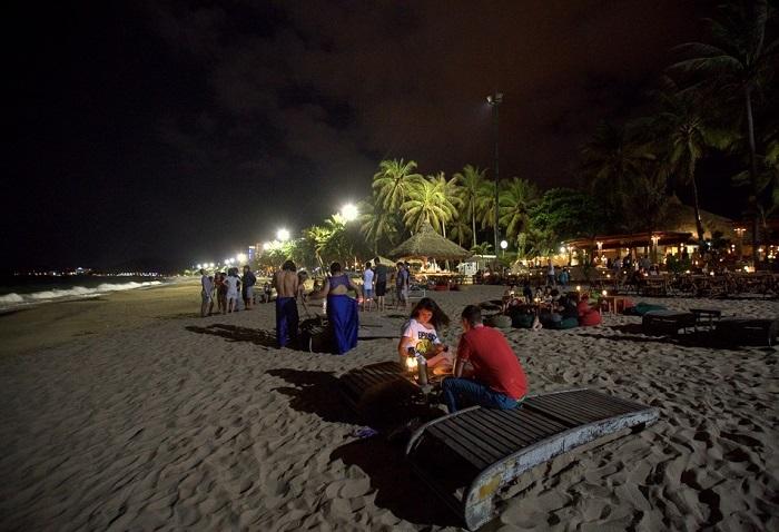 Hòn Ngang Nam Du - cảnh đẹp về đêm