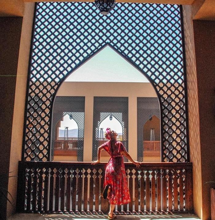 Khu nghỉ dưỡng Anantara được trang trí theo phong cách Trung Đông - Top những khách sạn trên vách đá
