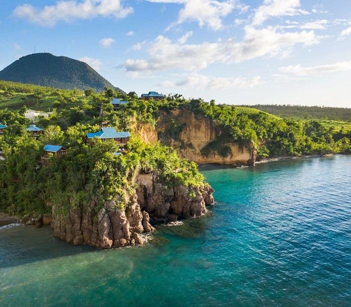 Secret Bay nằm trên một vách đá nhìn ra biển Caribe - Top những khách sạn trên vách đá