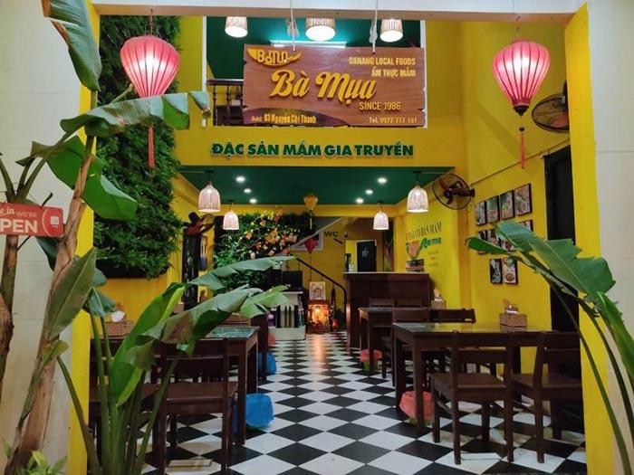 Top địa chỉ ăn bánh tráng cuốn thịt heo ở Đà Nẵng - Không gian quán