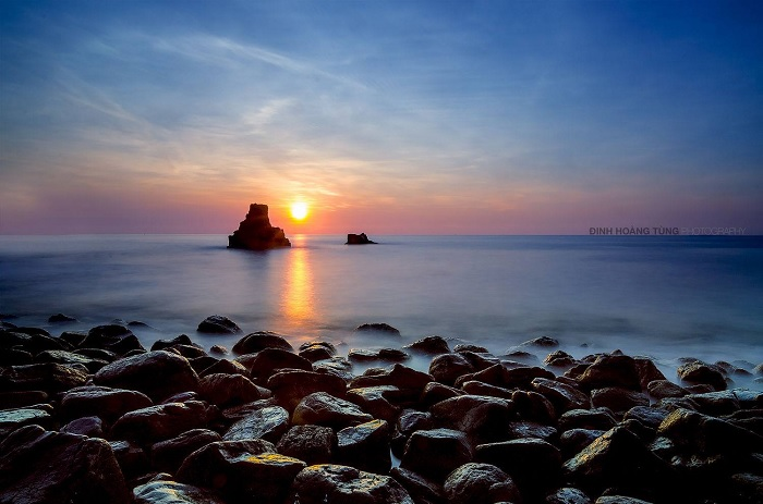 dawn - the most beautiful moment at the rocky cliff of Thach Ky Dieu Dau