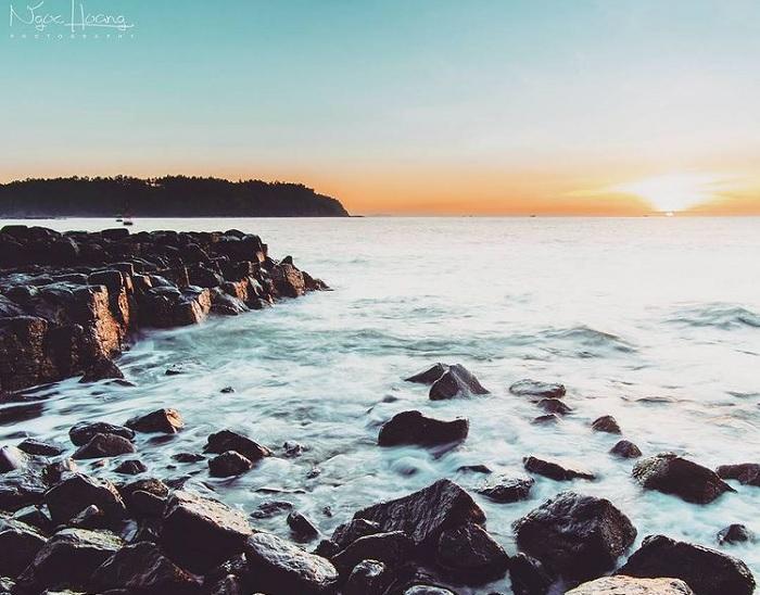 dawn - beautiful time at the rocky cliffs of Thach Ky Dieu Dau