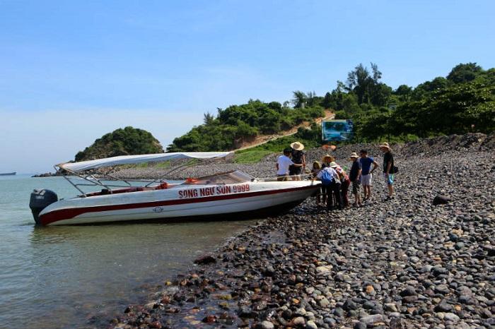 Cách di chuyển tới đảo Hòn Ngư - Kinh nghiệm du lịch đảo Hòn Ngư