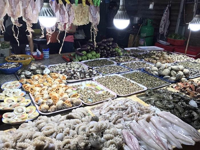 Du lịch đảo Hòn Ngư nên mua gì làm quà? Các món đồ hải sản là gợi ý mua quà lý tưởng khi đến đảo Hòn Ngư