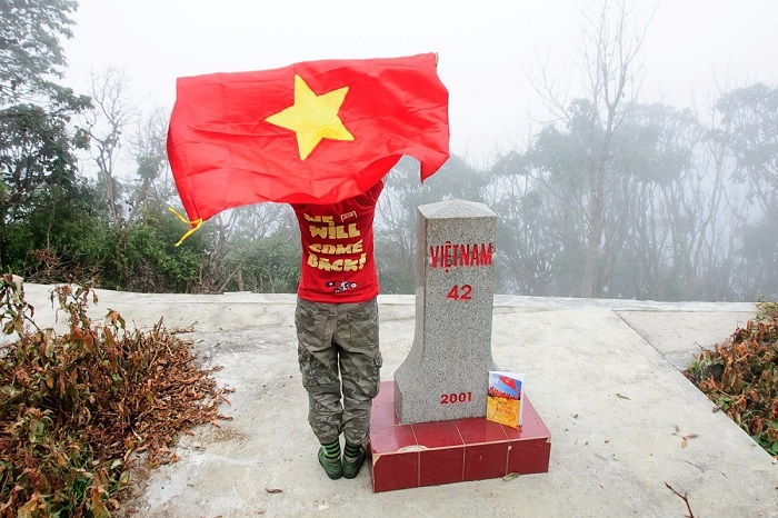 Kinh nghiệm du lịch Pu Si Lung nên đi đâu? Cột mốc 42 - Địa điểm du lịch ở Pu Si Lung