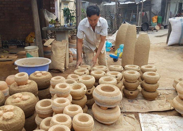 Dien Khanh copper casting village