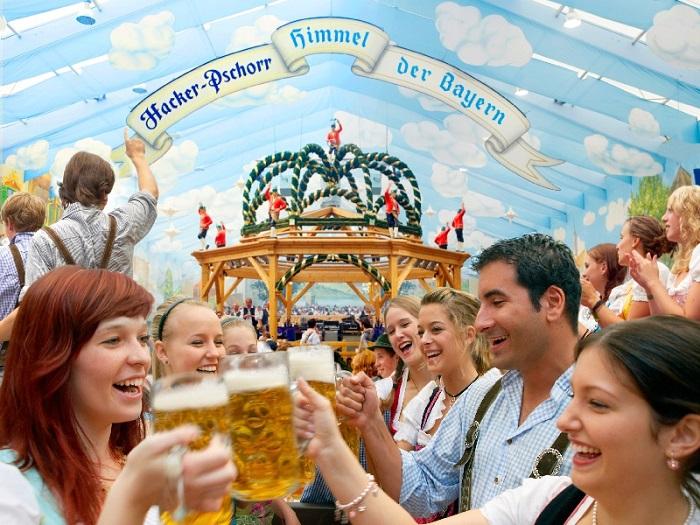 Khám phá lễ hội bia sôi động lễ hội đặc sắc ở Châu Âu