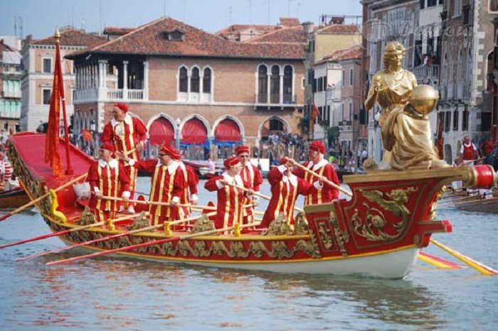 Lễ hội đua thuyền ở Ý - Lễ hội đặc sắc ở Châu Âu