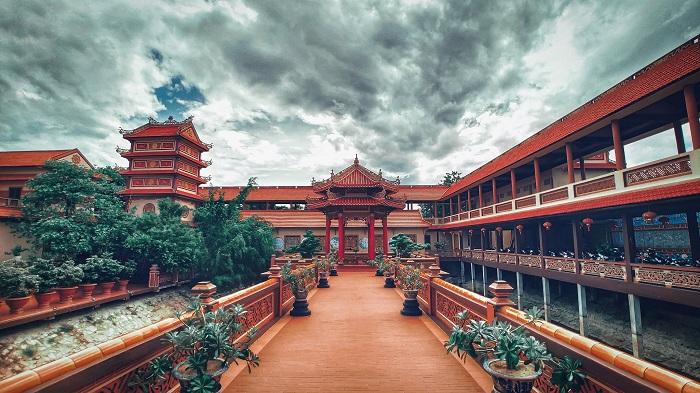 Lối đi vào chùa Nam Sơn Đà Nẵng