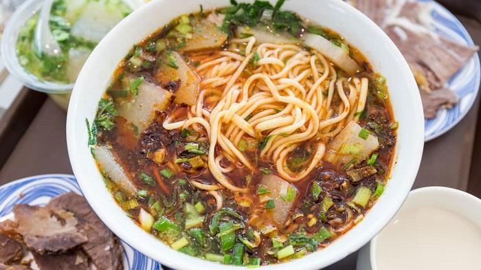 Phở bò lan châu - Món ăn có nước súp ngon nhất thế giới