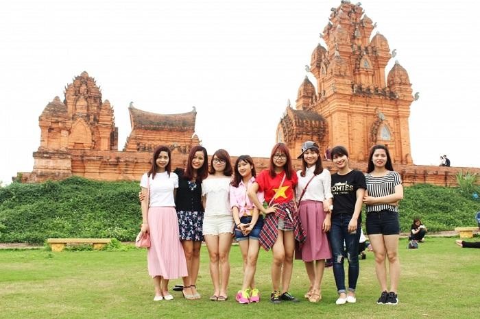 Ngày giỗ tổ Hùng Vương nên đi đâu quanh Hà Nội? Làng văn hóa các dân tộc Việt Nam - Địa điểm đi chơi ngày giỗ tổ Hùng Vương