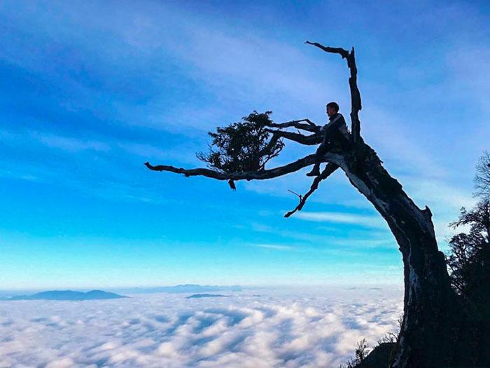 Bật mí kinh nghiệm leo Lảo Thẩn - Nơi mặt trời mọc sớm nhất