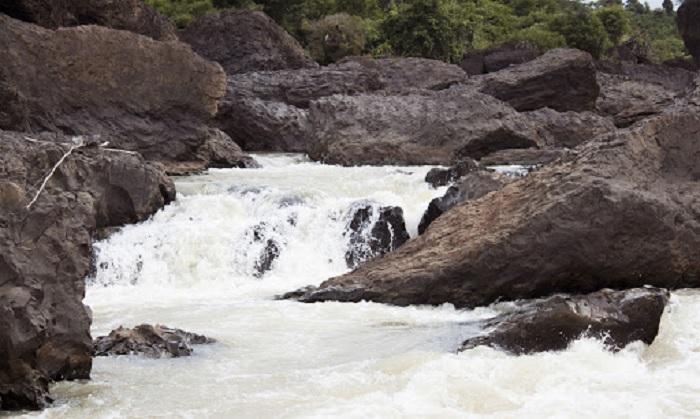 nước chảy xiết - điều khơi nguồn tên gọi thác Trinh Nữ