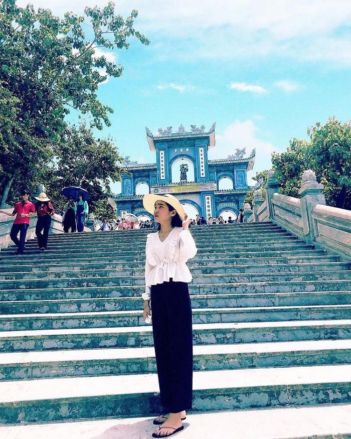 Đi du lịch Đà Nẵng nên mặc gì? - quần áo dài tay