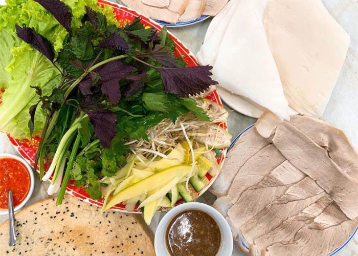 Top địa chỉ ăn bánh tráng cuốn thịt heo ở Đà Nẵng - Quỳnh Đại Lộc
