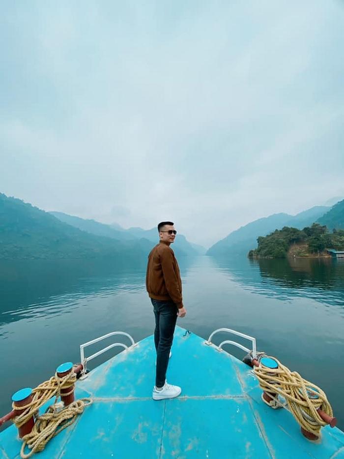 đi thuyền - hoạt động thú vị trên sông Gâm Cao Bằng