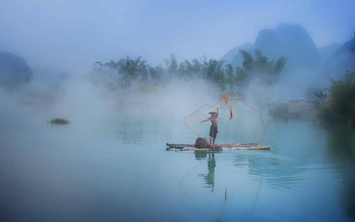 sáng sớm - khung cảnh đẹp trên sông Quây Sơn