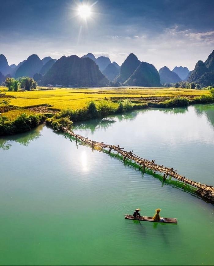 nước xanh - điểm nhấn của dòng sông Quây Sơn