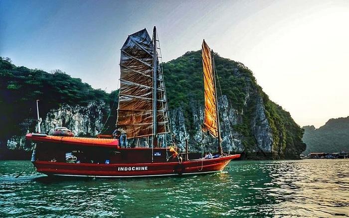 tàu - phương tiện đến Đảo Khỉ Cát Bà