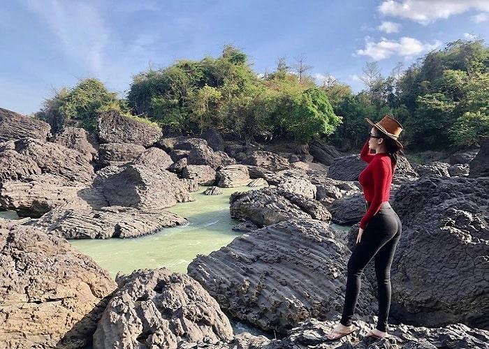 nước xanh - điểm thú vị của thác Trinh Nữ