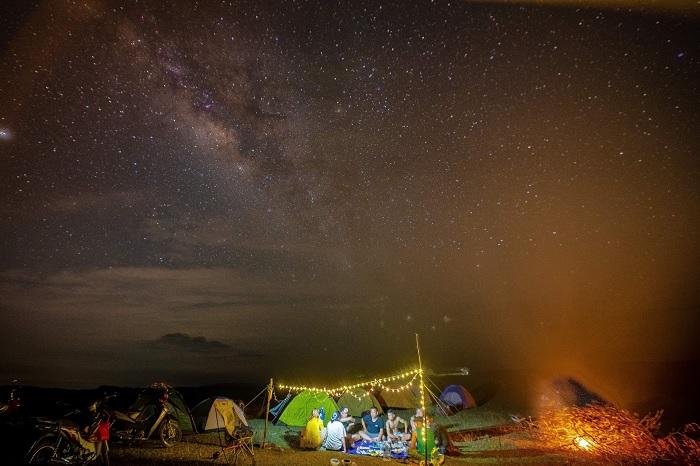 ngắm sao đêm - hoạt động không thể bỏ qua tại thảo nguyên Bùi Hui