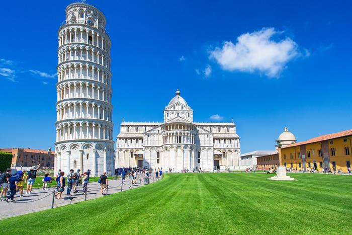 Chiêm ngưỡng tháp nghiêng Pisa - Tháp cao 57m