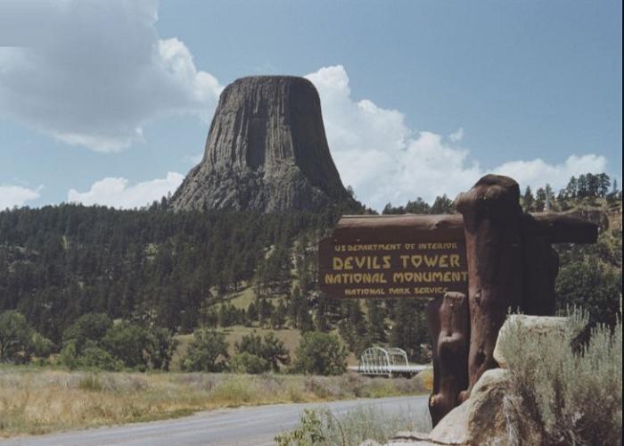 Khám phá thác Quỷ Devil Tower ở Mỹ