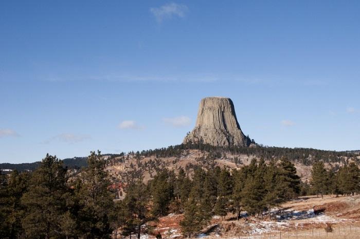 Kinh nghiệm du lịch tháp Quỷ nổi tiếng ở Mỹ