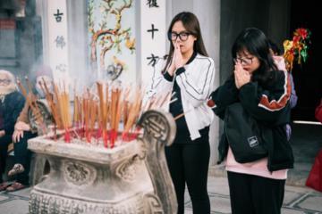 Tới ngay địa chỉ các ngôi chùa cầu duyên ở Sài Gòn để cùng nhau 'thoát ế'