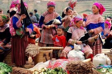 Bạn đã biết các chợ phiên ở Lào Cai náo nhiệt và thú vị này chưa?