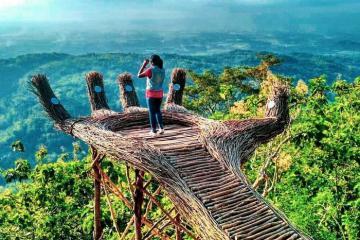 Vẻ đẹp ngoạn mục của cao nguyên Dieng - 'nơi ở của các vị thần' tại Indonesia