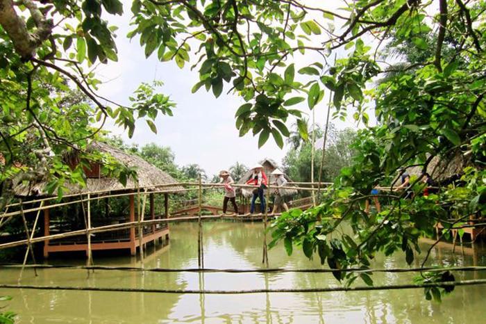 Check in Quy Ben Tre islet - Experience monkey bridge