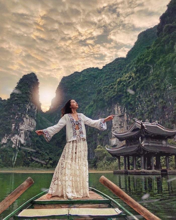 Khu du lịch Hồ Ba Bể là một trong những điểm du lịch sinh thái miền Bắc nổi tiếng khu du lịch Tràng An