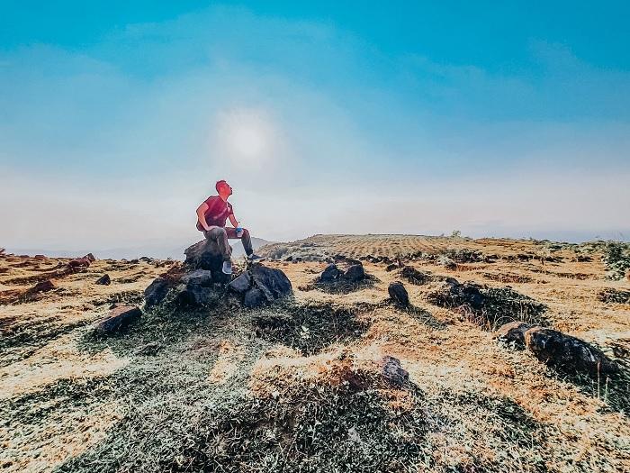 những tảng đá - điểm độc đáo của thảo nguyên Bùi Hui