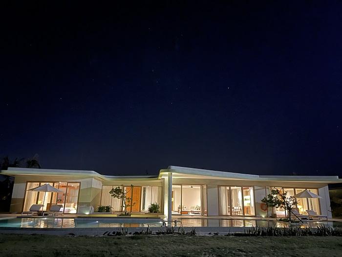 Three-bedroom Villa hướng biển được trang trí theo phong cách hiện đại - Review FLC Resort Quy Nhơn