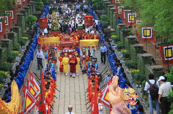 Lễ Giỗ tổ Hùng Vương 2021 nên đi đâu chơi? - KDT đền Hùng