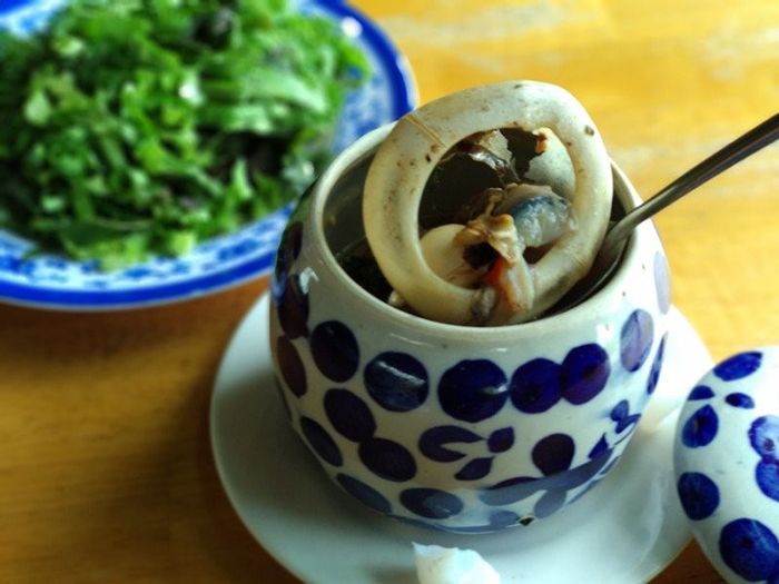 Fatty fish eyes, aroma of Chinese herbs, extremely attractive to the taste buds