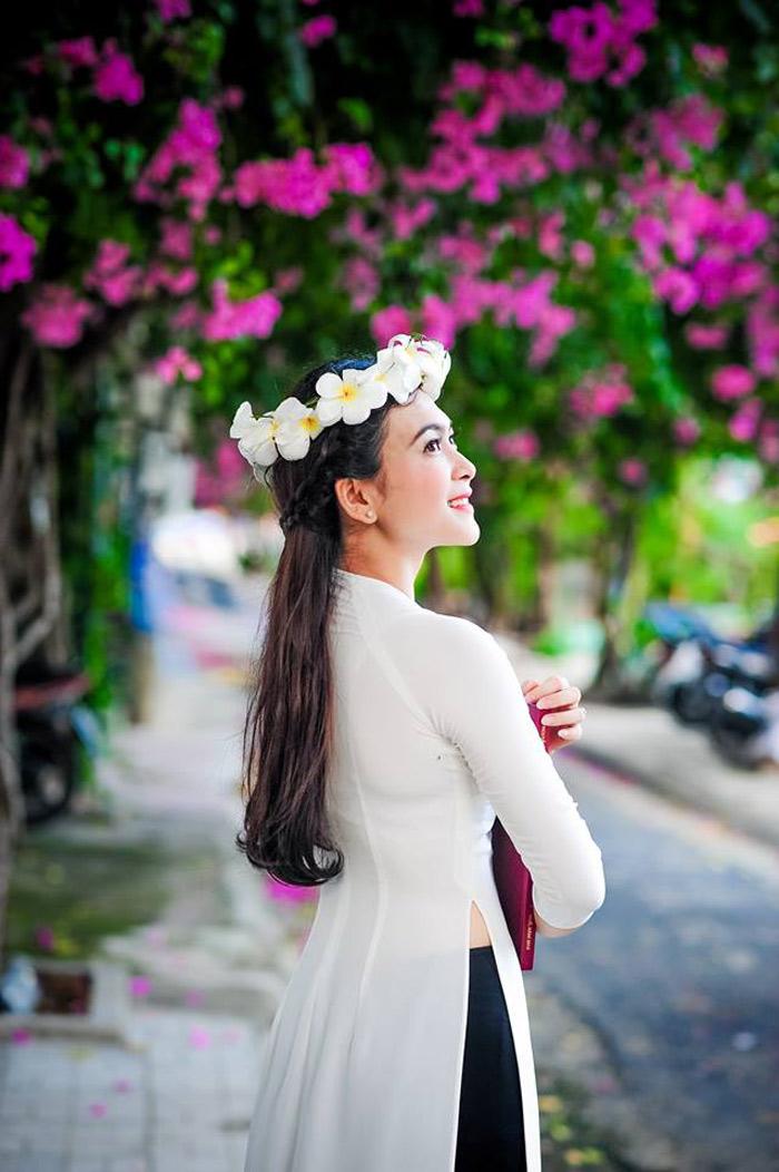 Con đường hoa giấy đẹp nhất Nha Trang 7