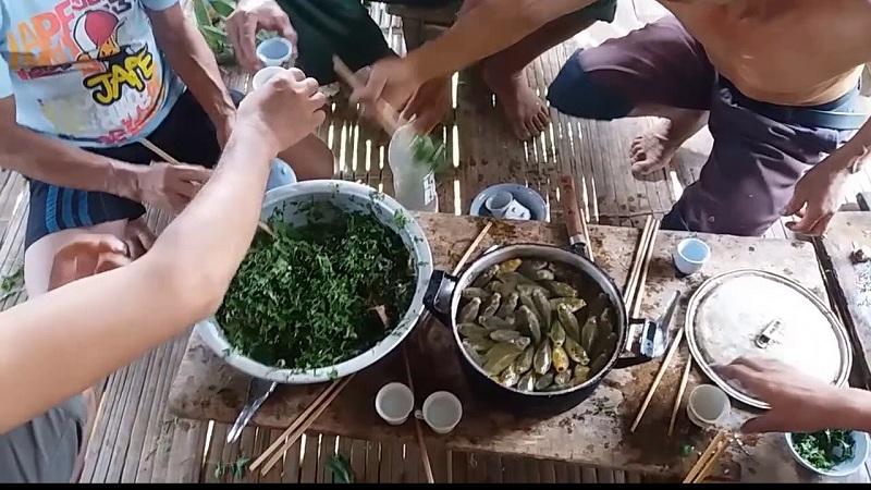 thưởng thức món cá nhảy Sơn La